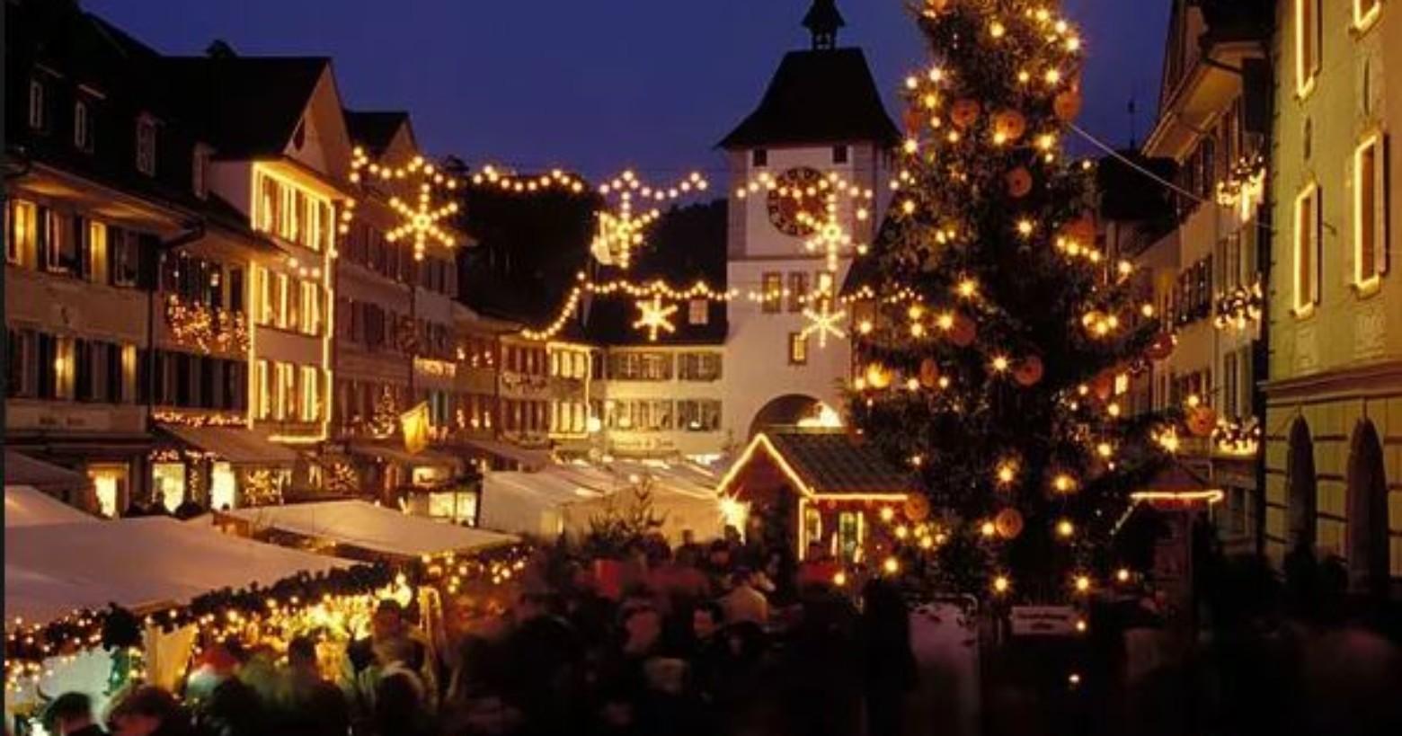Weihnachtsmarkt Laufenburg.Die Schönsten Weihnachtsdörfer Der Schweiz Suissebook Die